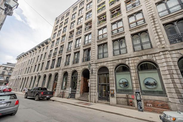 Upscale condo with amazing design in Old Montreal