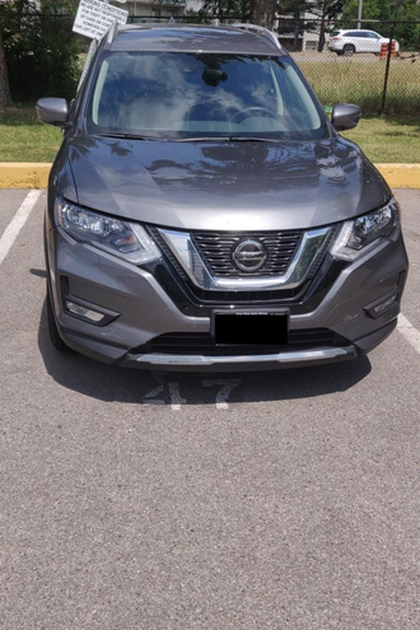 2019 Nissan Rogue SV AWD, with Low Mileage and Warranty