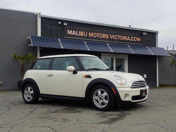 ** 2010 Mini Cooper - Automatic - ONLY 150K