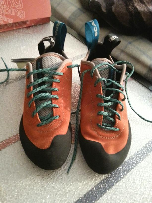 Selling Women's Climbing Shoes - Mismatched Sizes