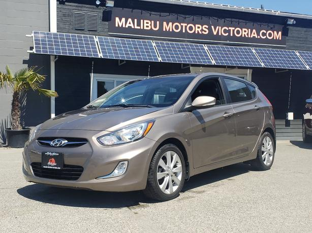** 2014 Hyundai Accent - *** ONLY 28,000Kms. ***