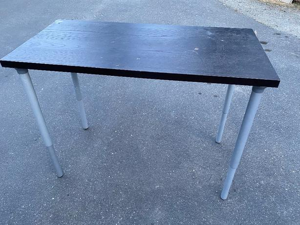 FREE: IKEA table/desk