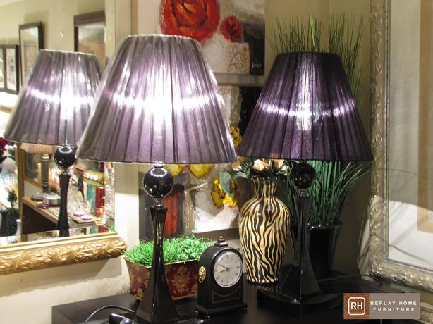 BLACK HI GLOSS LAMPS