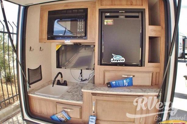Hummingbird 10RK (Rent  RVs, Motorhomes, Trailers & Camper vans)