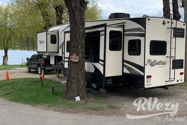 320mks (Rent  RVs, Motorhomes, Trailers & Camper vans)