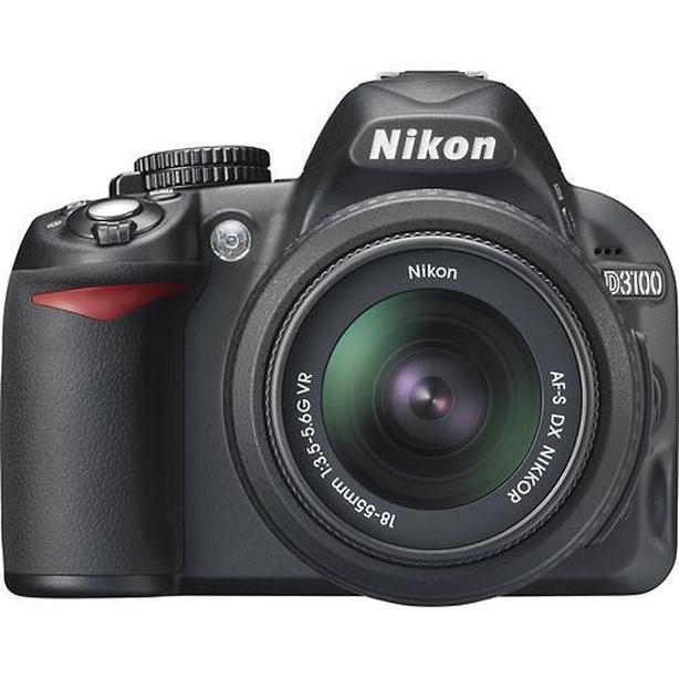 NIKON D3100, AF-S 18-55 G VR, Camera Bag plus ..