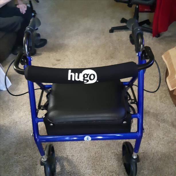 Hugo foldable walker