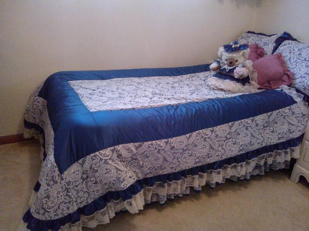 Comforter set (for single XL to full size bed) 8 pieces