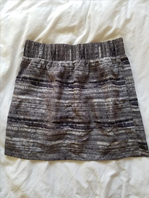 Gap Skirt - Small (Size 6-8)
