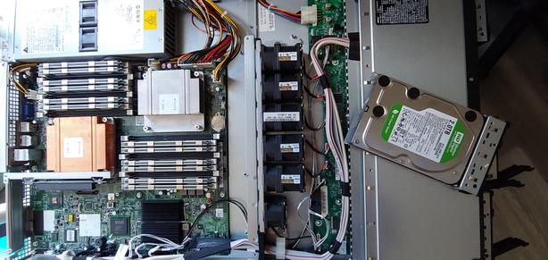 Dell PowerEdge Server model C1100 (CS24-TY)