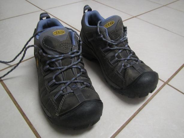 Keen Hikers size 8 1/5