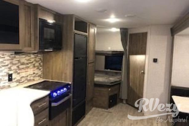 LE (Rent  RVs, Motorhomes, Trailers & Camper vans)