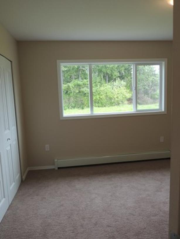 3 Bedroom Townhouse Available September 15th
