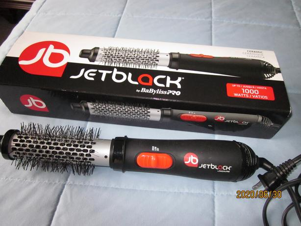 Hair styling/drying brush