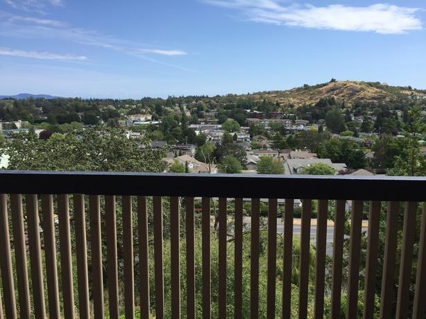 ** Sept 1st - 2 Bedroom - Fully Furnished - Utilities Included