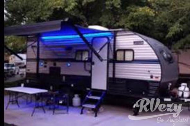 Wolf Pup 18TO (Rent  RVs, Motorhomes, Trailers & Camper vans)