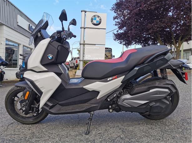 2019 BMW C400X
