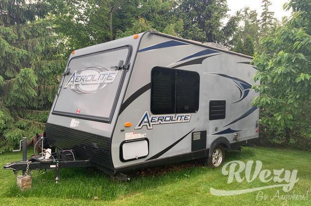 Featherlight 174E (Rent  RVs, Motorhomes, Trailers & Camper vans)