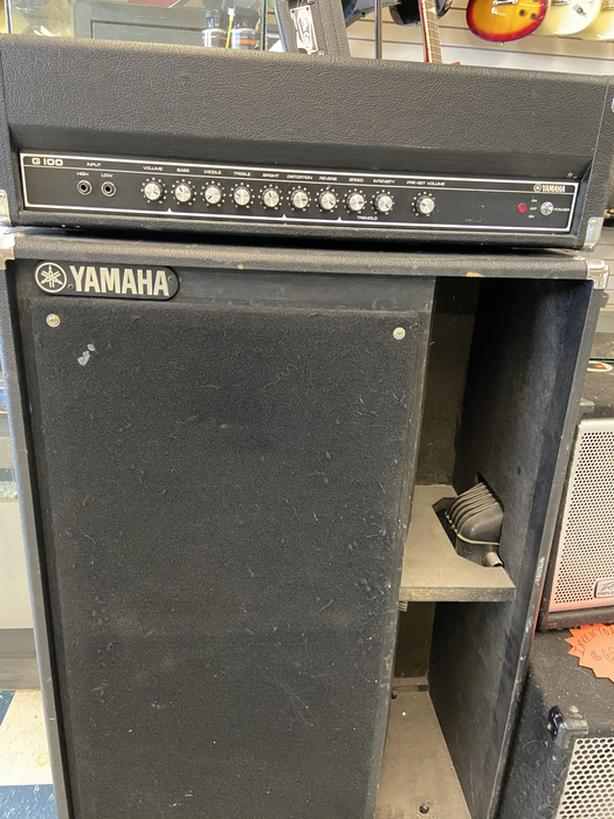 Vintage Yamaha 2x15 bass bin with 100 watt powered amp head