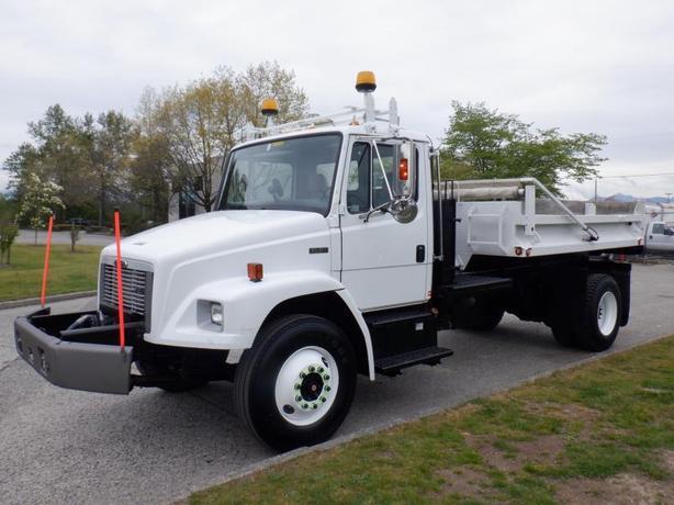 2004 Freightliner FL80 Dump Truck 11 foot BOX  Diesel Air Brakes