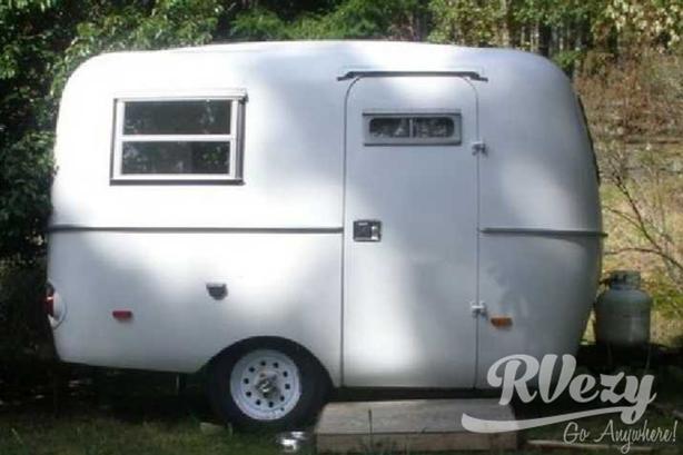 Delux (Rent  RVs, Motorhomes, Trailers & Camper vans)