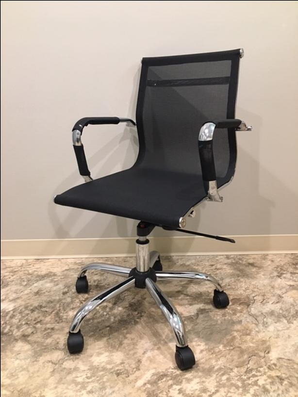 6x rolling, black mesh office chairs -   $75 each - OBO