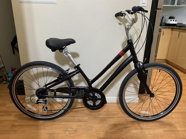 Devinci Comfort Hybrid Bike