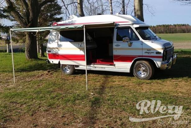 Chevy van 10 (Rent  RVs, Motorhomes, Trailers & Camper vans)