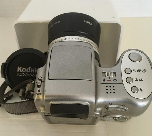 Kodak Easyshare Z740 5 MP Digital Camera with 10x Optical Zoom