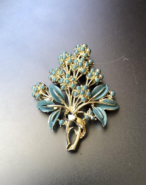 Vintage floral bouquet brooch