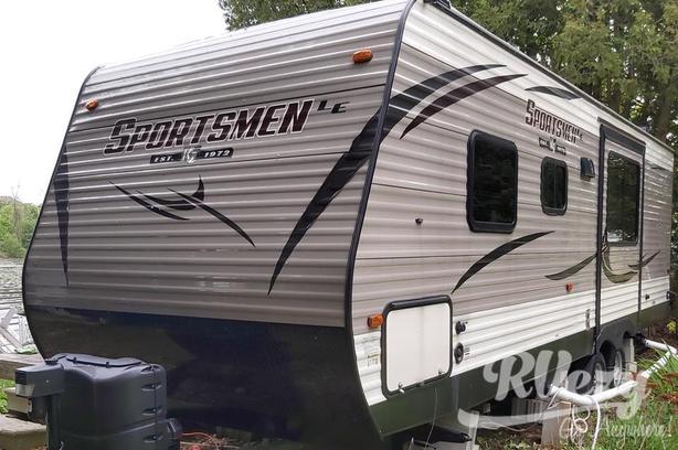 2019 (Rent  RVs, Motorhomes, Trailers & Camper vans)