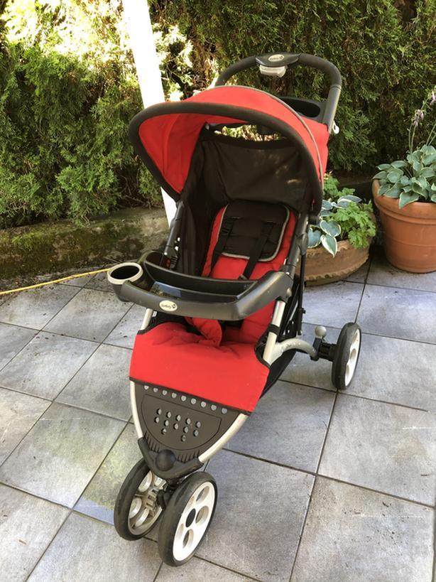 Safety infant to toddler stroller