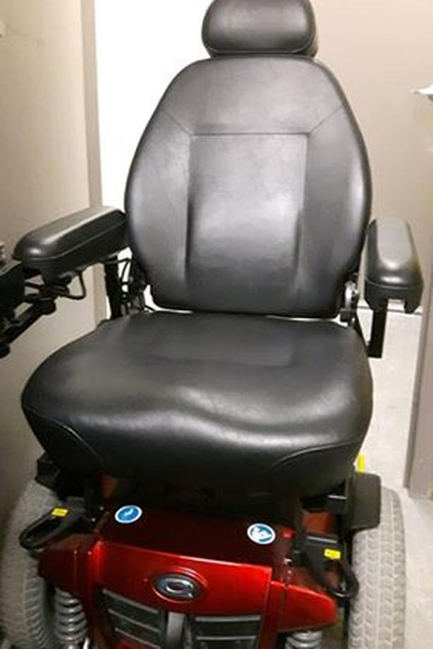 Quantum Q6 Edge power chair