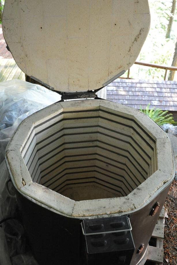 Kiln + kiln sitter with vent (REDUCED)