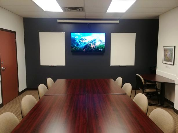 BOARDROOM with Smart TV and Chromecast