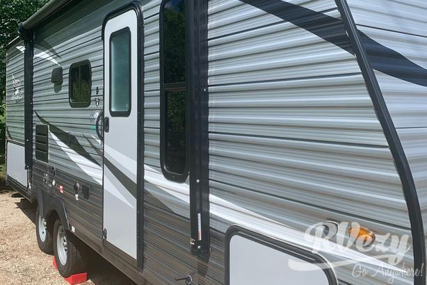 224BH (Rent  RVs, Motorhomes, Trailers & Camper vans)