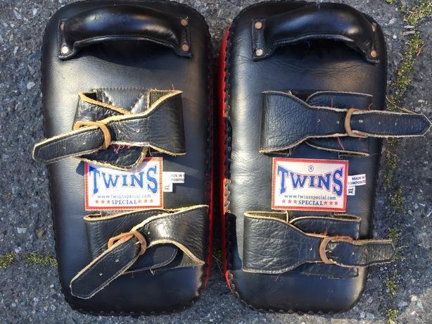 Twins Muay Thai Kick Pads w/ Buckle XL