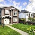 Grandview Trout Lake 2 Bed 1 Bath Top Suite w/ Balcony & Shared Yard