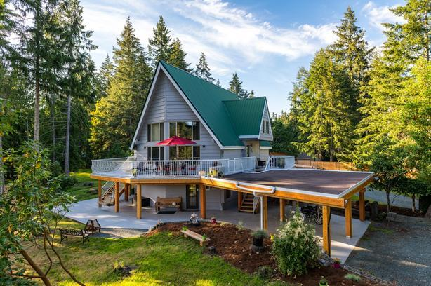 Stunning Riverfront Acreage on the Golden Mile on Vancouver Island