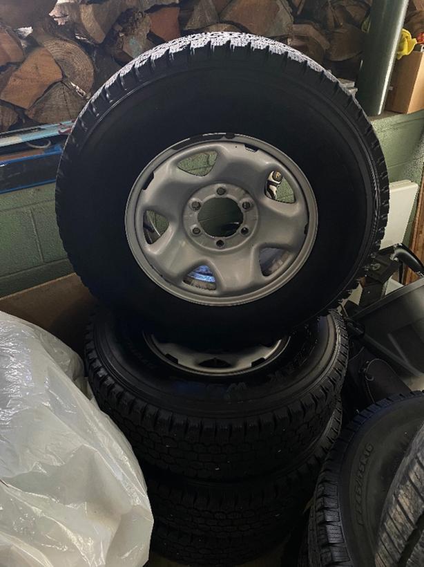 Bridgestone Blizzak W965 Winter Tires