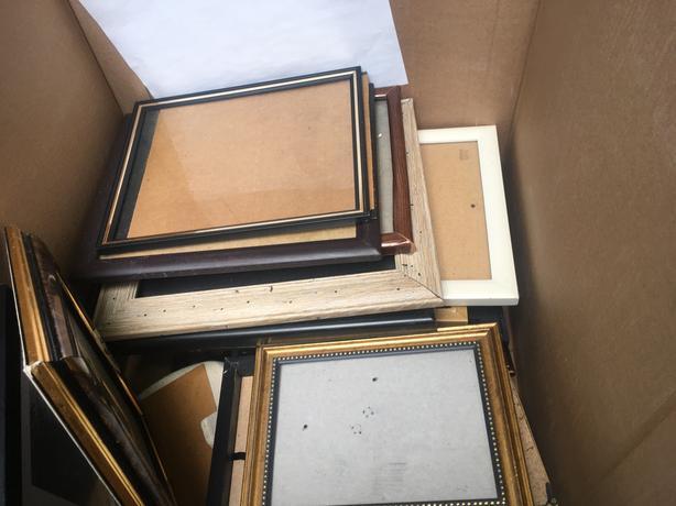 FREE: Photo Frames