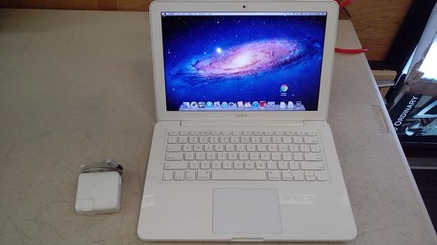 "Apple 13"" Macbook"