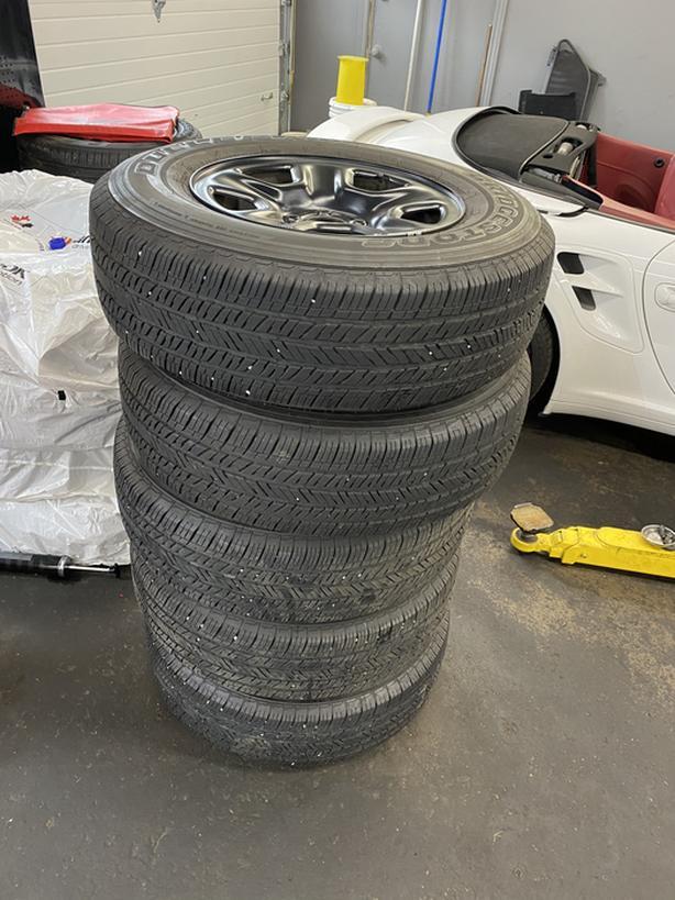 5 245/75R17 Tires With Original Chrysler Rims