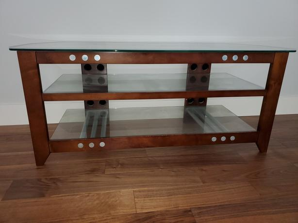 Entertainment / TV Stand