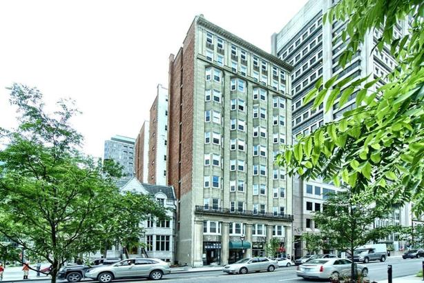 Upscale apartment facing McGill University for rent