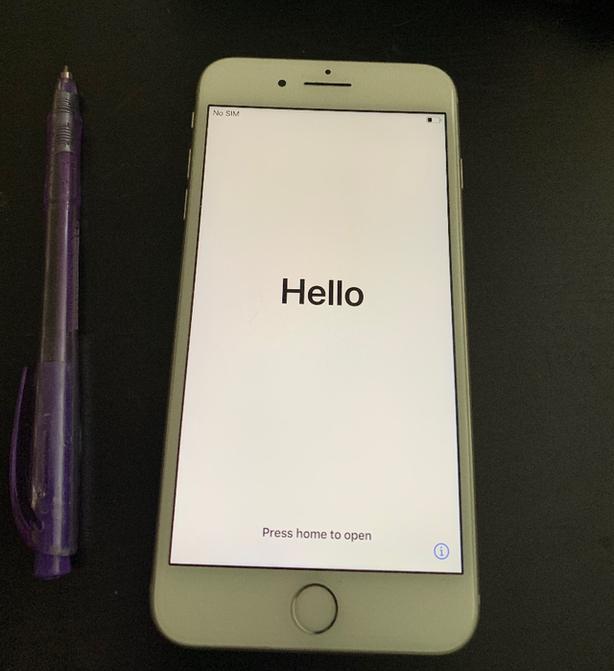 iphone 8 plus 64gb -UNLOCKED