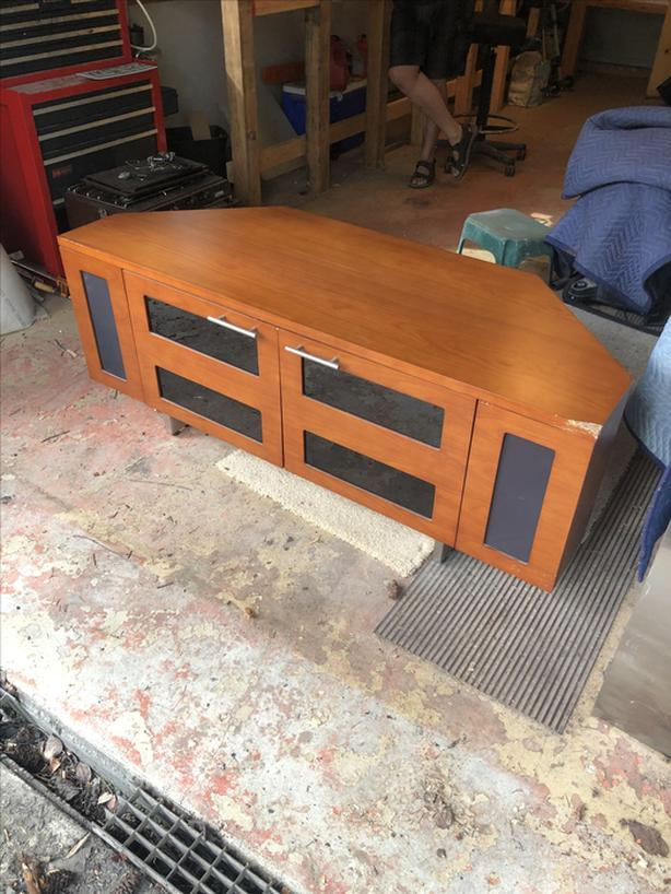 Solid Wood Entertainment Unit/ TV Stand