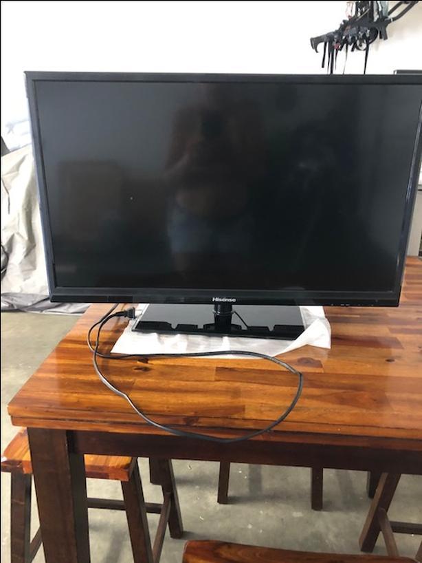 """HiSense 32"""" TV model 32020"""