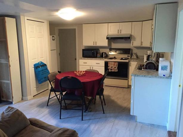 4 BRs 2 Full Bath Suite Next to Uvic Campus Avail Sept 1 (Mt. Tolmie Area)