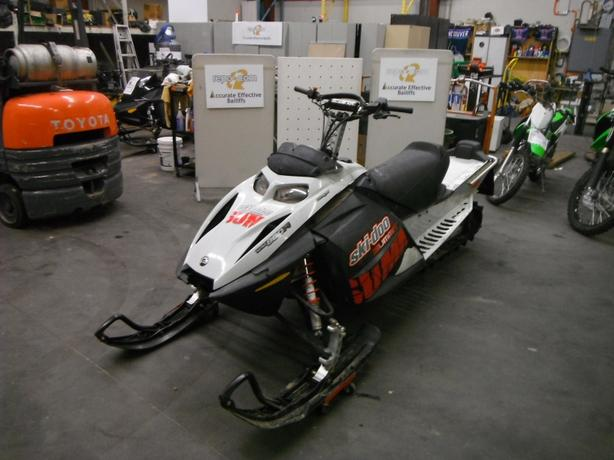 2007 Ski-Doo Summit Rotax 800R Snowmobile